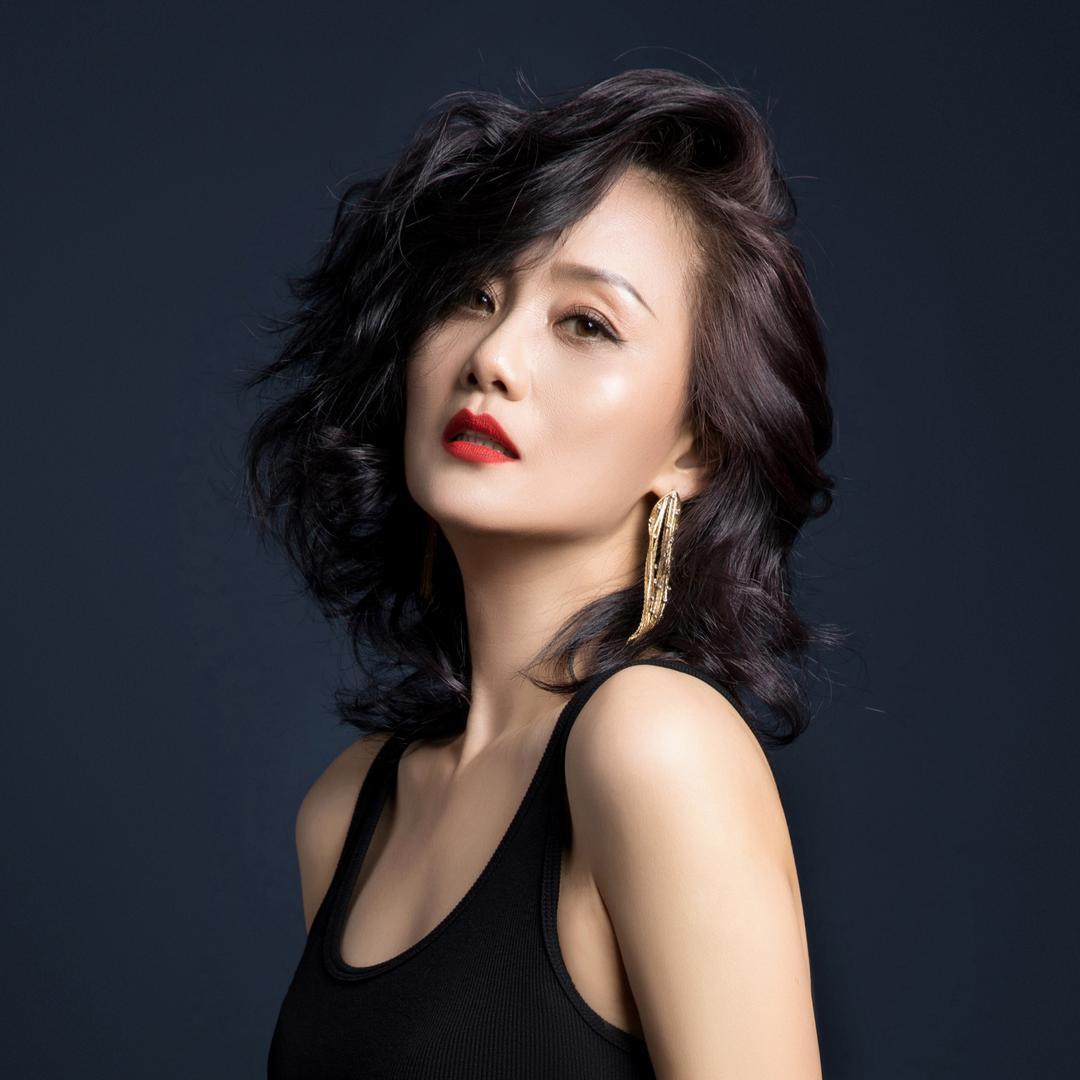 李颖(12日上午10点柏氏美妆专场)
